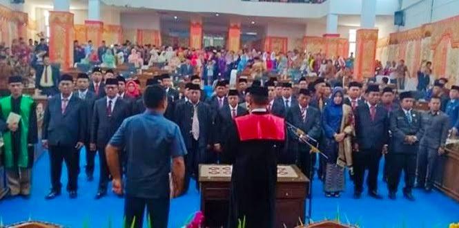 Wakil Ketua Pengadilan Negeri Lantik 40 Anggota DPRD Pasbar Periode 2019-2024