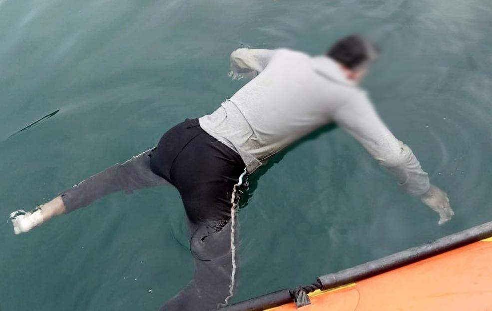 Nelayan Asal Desa Saliguma di Temukan Mengapung