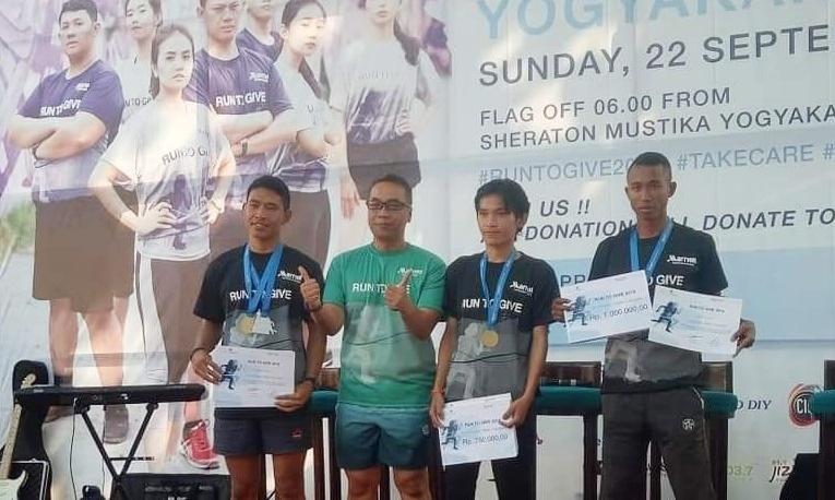 Putra Mentawai Diky Martin Siritoitet Toreh Prestasi Lomba Lari Marathon Run to Give Yogyakarta