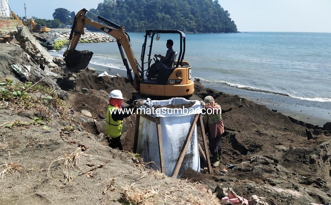 Sejumlah Destinasi Wisata di Padang Terancam Akibat Abrasi Pantai