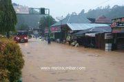 Akibat Drainase Tak Berfungsi, Sejumlah Ruas Jalan Kota Painan di Terjang Banjir