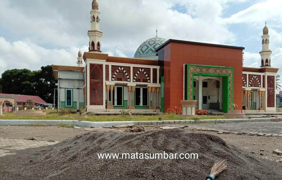 Sejumlah Ormas di Pasbar Minta Pemkab Perhatikan Kondisi Masjid Agung Baitul Ilmi