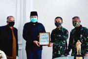Wako Fadly Terima Plakat Dari Komandan Secata B Rindam 1/BB