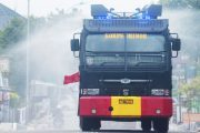 Pemko Padang Panjang Bersama Batalyon B Pelopor Brimob Lakukan Penyemprotan Disinfektan