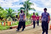 Tingkatkan Imun Tubuh, Kapolsek Sikabaluan Bersama Personel Lakukan Olahraga