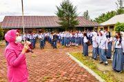 Selain Sosialisasi Adaptasi Kebiasaan Baru, Ketua Bhayangkari Ranting Sikabaluan Ajak Para Pelajar Hindari Rayuan Predator