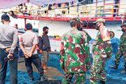 Pastikan Penerapan Prokes, Koramil, Kamla dan Polsek Patroli di Pelabuhan Perikanan Sikakap