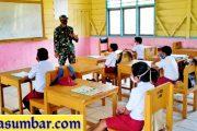 Masa AKB, Babinramil 03/Sipora Edukasi Pelajar SDN 19 Matobe' Tentang Prokes