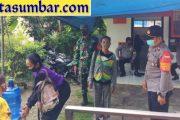 Penerapan Prokes, Kapolsek Sipora Cek Kepatuhan Warga Saat Pengambilan BST di Pos Sioban