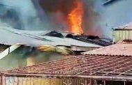 Warga di Kejutkan Rumah Terbakar di Berok Nipah Padang Saat Penghuni Merayakan Natal