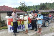 Pengujung Tahun, Polsek Sipora Salurkan 120 Paket Beras Polri di 2 Posko Desa Mara