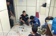 Lagi Asyik Pesta, Tiga Orang Pemakai Sabu di Tangkap Tim Obvit POMAL Lantamal II Padang