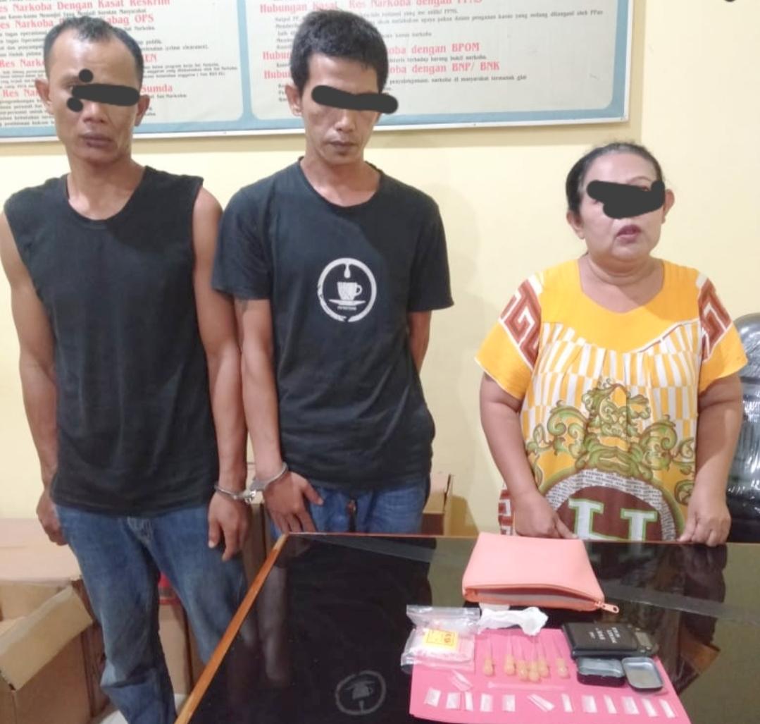 Transaksi Narkoba, Seorang IRT Bersama Dua Orang Pria di Ringkus Polres Pessel