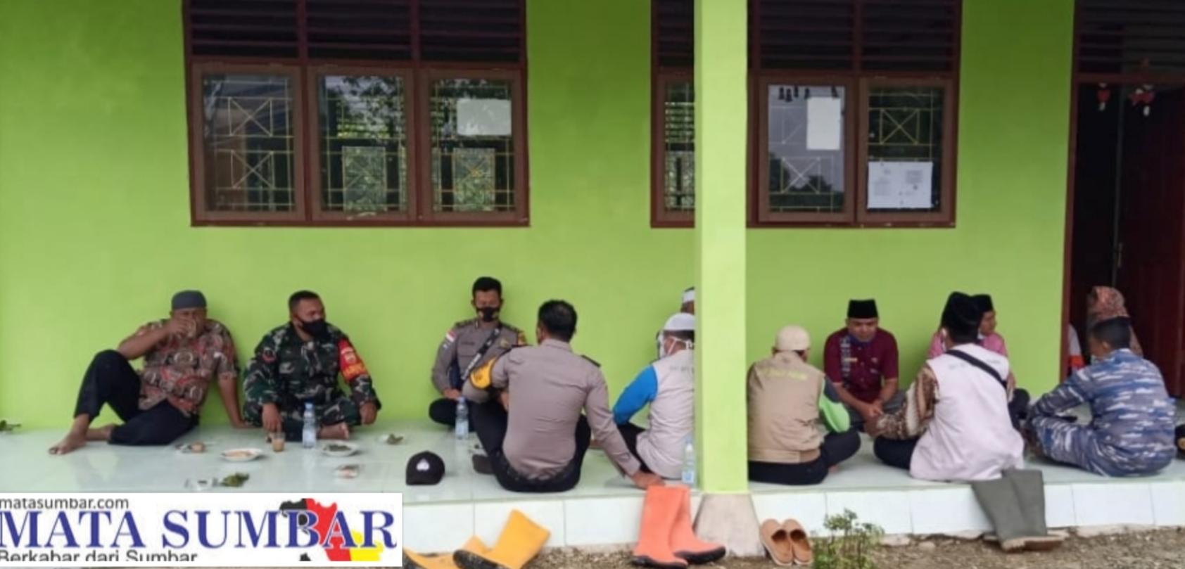 Komsos di Masa Pandemi, Babinramil Sikakap Motivasi Para Guru Yayasan Ruhamah Pasapuat