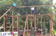 Keharmonisan Satgas TMMD Dengan Masyarakat di Lokasi Rehab RTLH