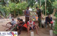 Suka Cita Warga Desa Bukit Pamewa Bersama Satgas TMMD di Lokasi RTLH