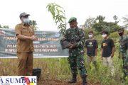 Motivasi Para Petani, Satgas TMMD Bersama Dispangtan Mentawai Tanam Bibit Buah-Buahan