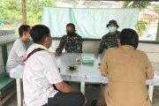 Jalin Silahturahmi, Dua Anggota Satgas TMMD Ini Bangun Komunikasi di Warung Kopi