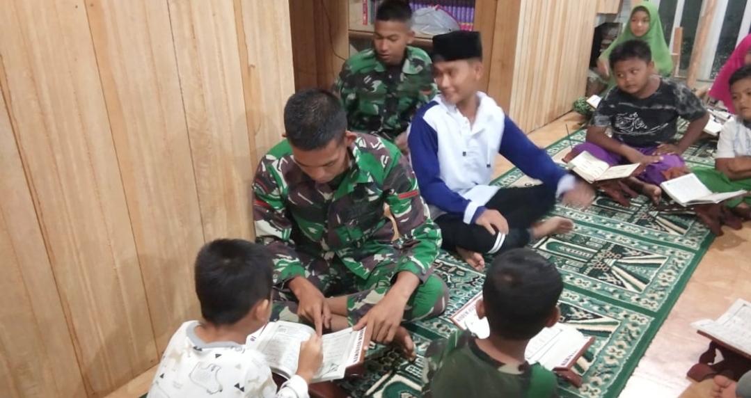 Perkuat Ilmu Agama, Satgas TMMD Rutin Ajarkan Anak-Anak Mengaji