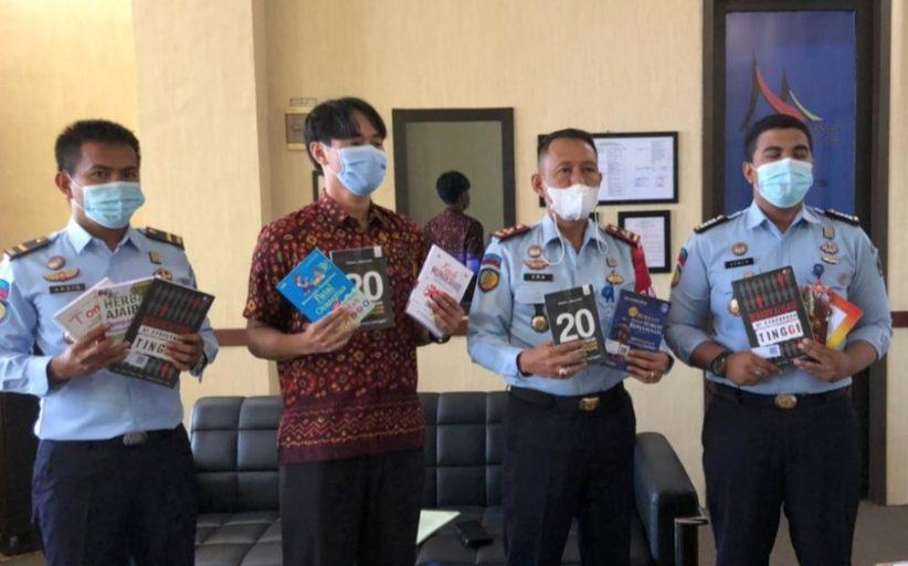 Dukung Program Napi Gemar Membaca, Lapas Padang Terima Bantuan 500 Judul Buku