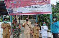 Babinsa Sikakap Monitoring Posko PPKM di Desa Malakopa