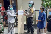 Pemasangan Tanda Isolasi, Team Tracer PPKM di Dampingi Babinsa Jurai