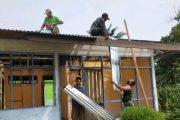 Bantuan Bedah Rumah Dari Nagari di Kerjakan Secara Gotong Royong Bersama Babinsa Pancuang Soal