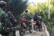 Tim Kodim 0319/Mentawai Gunakan Motor Trail Jangkau Desa Bosua Untuk Serbuan Vaksinasi