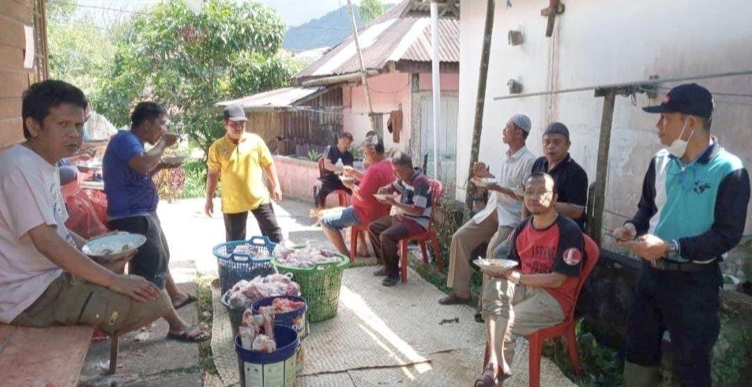 Bukti Kekompakan Kelurahan Tanah Hitam, Usai Pemotongan Hewan Qurban di Lanjut Makan Bersama