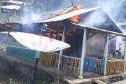 Rumah Warga di Sikakap Timur Terbakar, Mobil Damkar Tiba Tangki Air Kosong