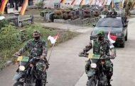 Semarakkan Dirgahayu RI, Anggota Kodim 0319 Mentawai Berkeliling Ajak Warga Pasang Bendera