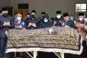 Jenazah Ortu Wako Fadly di Makamkan di Komplek Masjid Baiturrahmah Padang