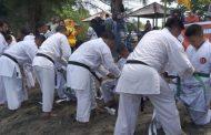 Peringati HUT ke-49 Lemkari, Pengrov Sumbar Gelar Latihan Gabungan dan Pengukuhan Kenaikan Tingkat