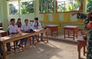 Babinsa Sikakap Edukasi Pelajar Tentang Wasbang di SMKN 1 Mentawai