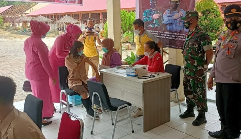 Gerai Vaksinasi Presisi di SMAN 1 Siberut Selatan di Ikuti Lebih Kurang 400 Pelajar di Lakukan Secara Bertahap